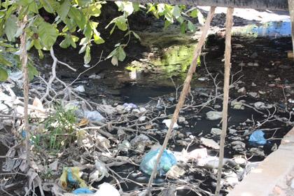 Sự ô nhiễm nguồn nước nghiêm trọng khi nước thải bệnh viện xả ra môi trường